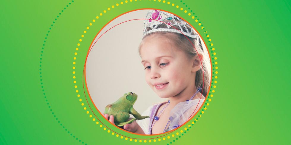 Auf diesem Bild sehen wir ein Mädchen mit einem Frosch in der Hand